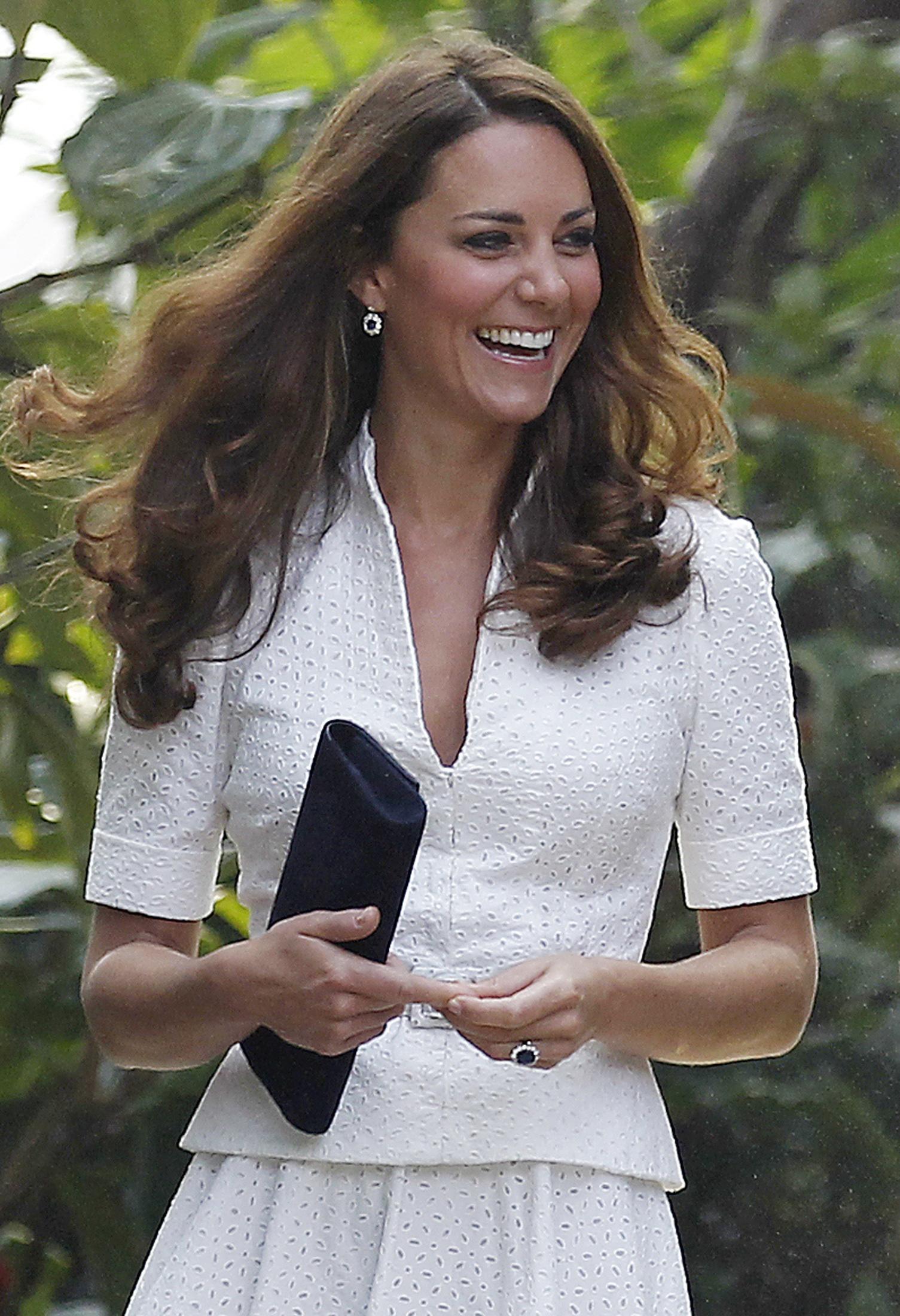 Public reaction to the Kate Middleton bottomless photos