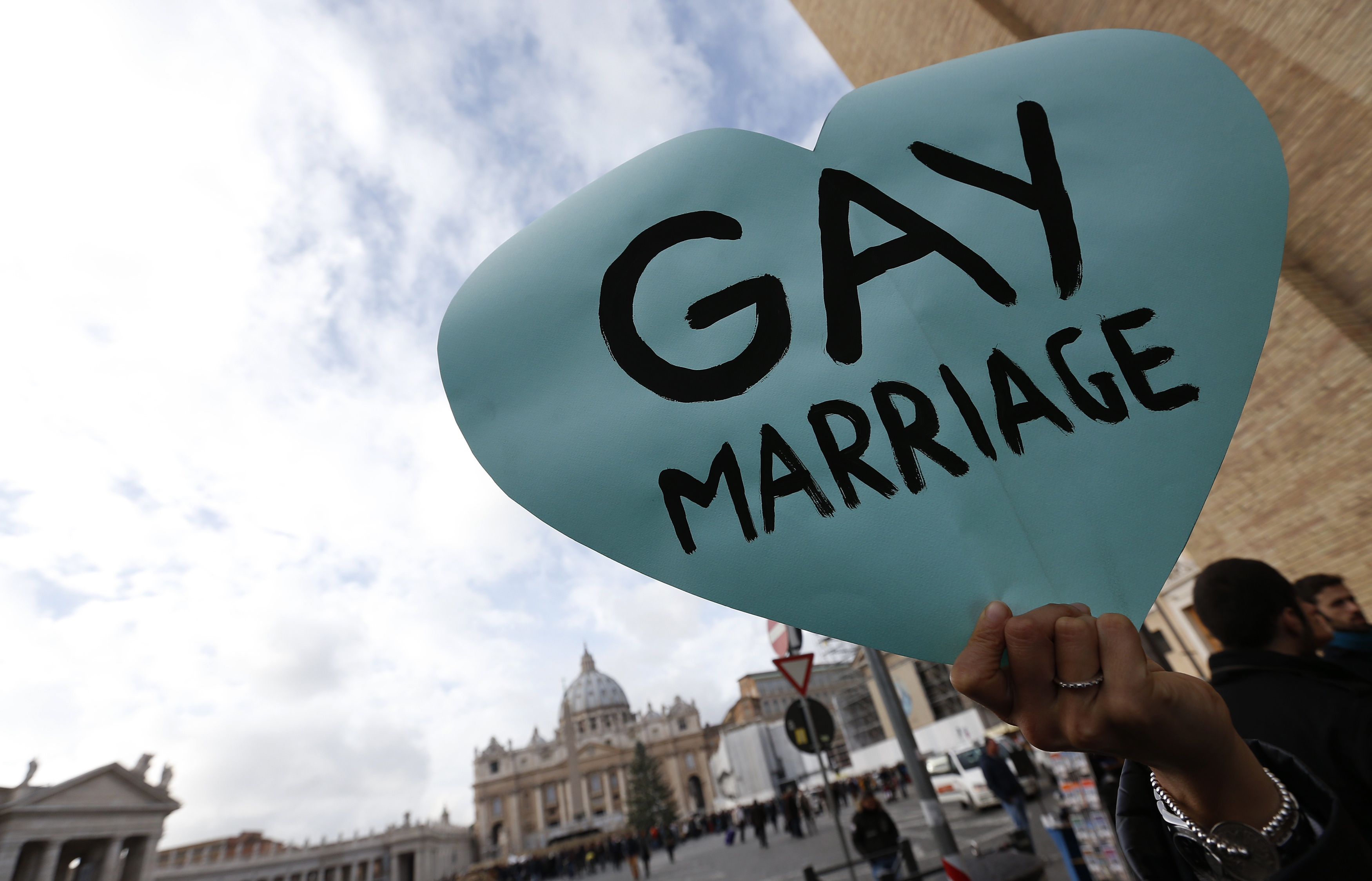 The supreme court rules that gay marriage is a constitutional right in the united states